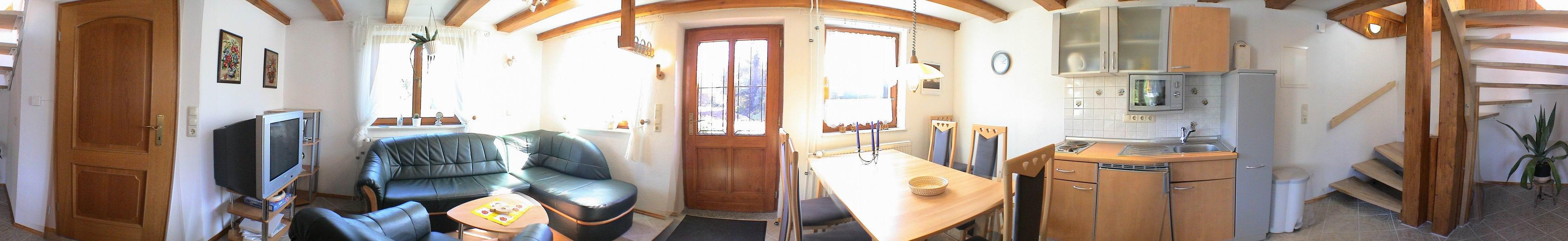 Ferienhaus Poehlablick Panorama Wohnzimmer Küche Aufgang FH2